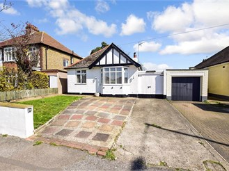 2 bed detached bungalow in Ramsgate