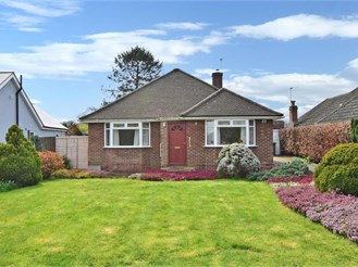 2 bed detached bungalow in Boughton Monchelsea, Maidstone
