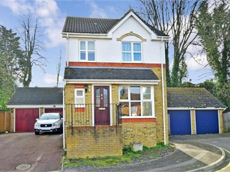 3 bed detached house in Sittingbourne
