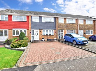 3 bed terraced house in Hoo, Rochester