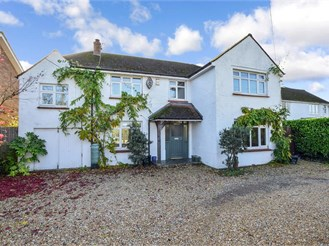 5 bed detached house in Walberton, Arundel