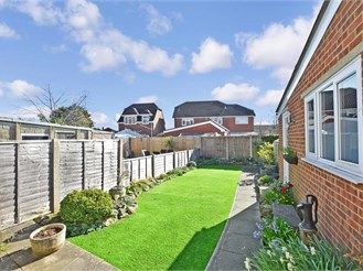 3 bed semi-detached house in Snodland, Kent