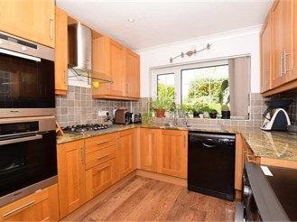 4 bed detached house in Margate