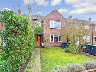 3 bed terraced house in Chartham, Canterbury