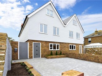 5 bed semi-detached house in Deal