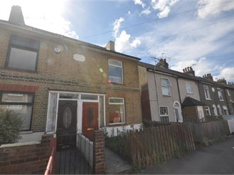 2 bed terraced house in