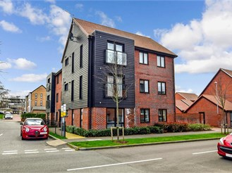 2 bed ground floor apartment in Leybourne, West Malling