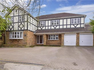 6 bed detached house in Langdon Hills, Basildon