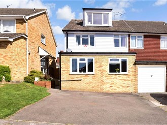 4 bed semi-detached house in Cuxton, Rochester