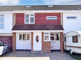5 bed terraced house in Parkwood, Gillingham