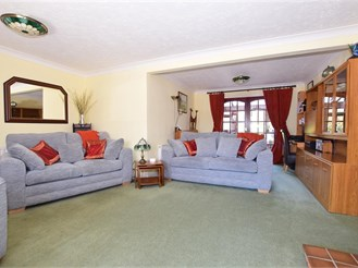 4 bed detached house in Walderslade Woods, Chatham