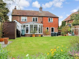 4 bed detached house in East Peckham, Tonbridge