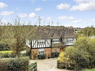 5 bed detached house in Chartham, Canterbury