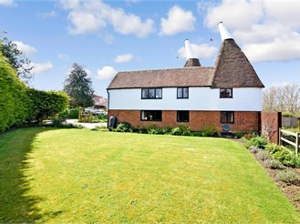 4 bed detached house in Leeds, Maidstone