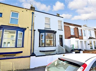 2 bed ground floor flat in Margate