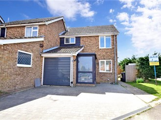 3 bed end of terrace house in Staplehurst