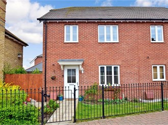 3 bed semi-detached house in Iwade, Sittingbourne