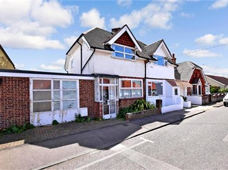 2 bed semi-detached house in Walmer, Deal