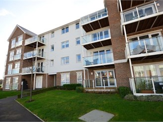 2 bed apartment in Manley Boulevard